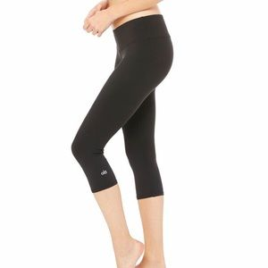 ALO yoga black Capri leggings XS